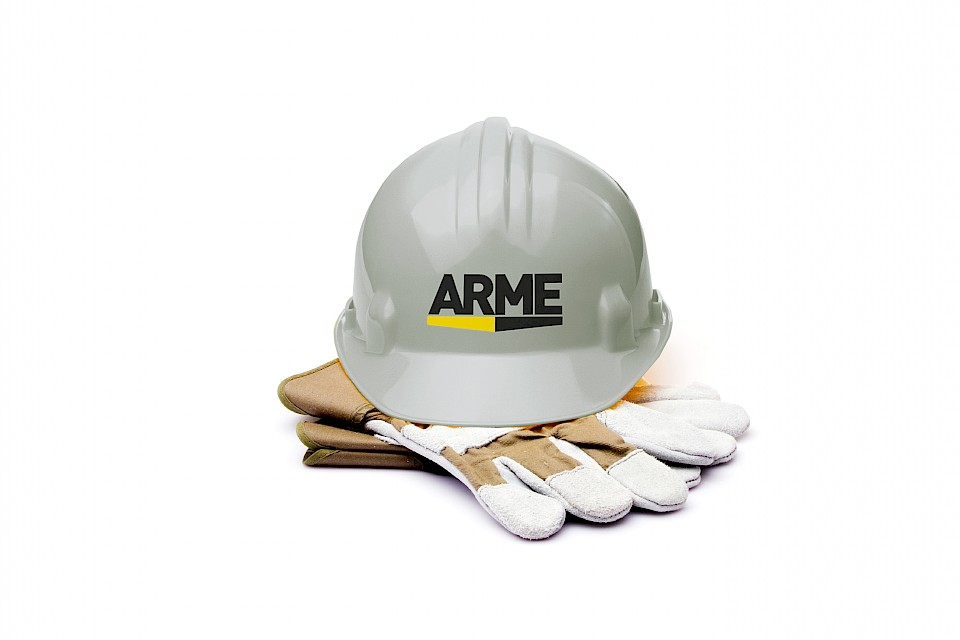 Arme: Safety helmet